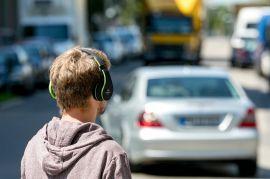Ohren auf im Straßenverkehr