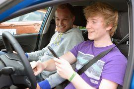 Kosten sparen beim Führerschein mit 17
