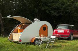 Stylischer Retro-Wohnwagen