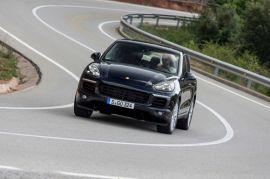 Verkehrsminister stoppt den Porsche Cayenne